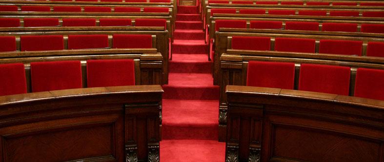 Els treballadors reclamen al Parlament una reforma urgent de la llei de la CCMA