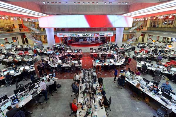 La BBC ajorna els acomiadaments a informatius per garantir la cobertura del coronavirus