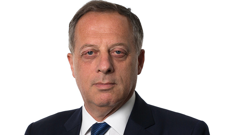 L'exbanquer Richard Sharp presidirà la BBC