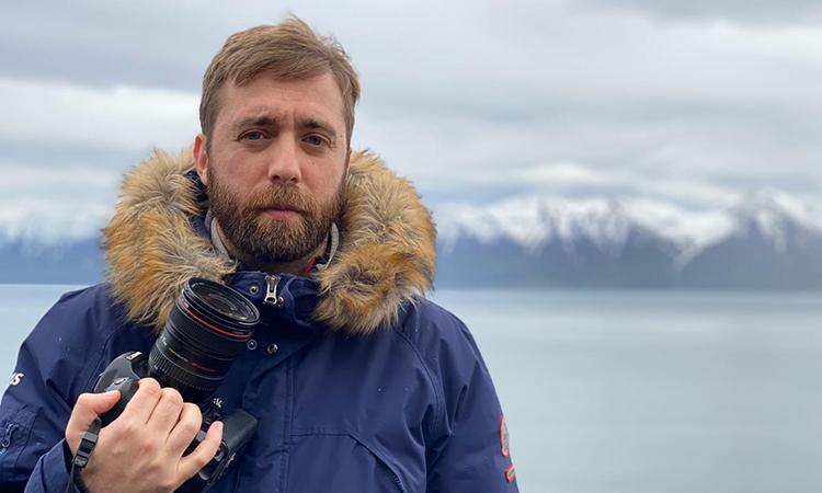 Èric Lluent, un periodista gracienc que guia El Faro de Reykjavík des d'Islàndia