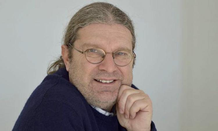 El periodista Gabriel Forteza rep el premi Juan Palau de la FEDDF