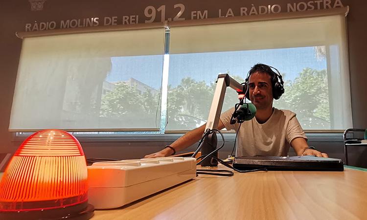 """Oriol Romeu: """"El podcast ha permès a Ràdio Molins de Rei captar nous oients més enllà del poble"""""""