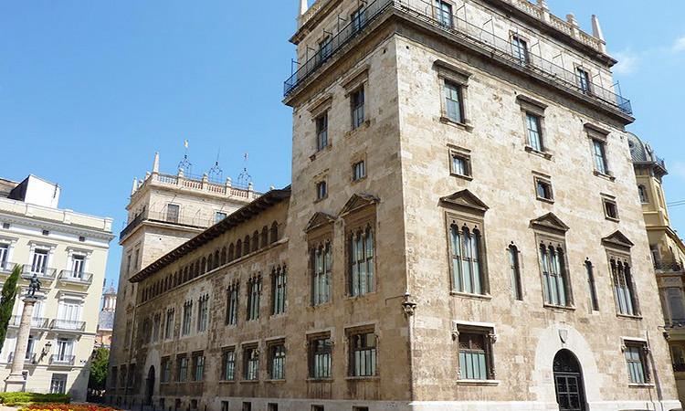 L'AMDComVal diu que els ajuts al valencià deixen fora el 90% dels mitjans de proximitat