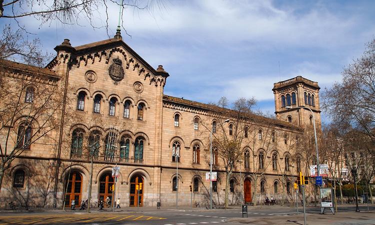 La Universitat de Barcelona treu a licitació el servei de 'press clipping'