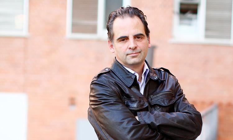 """Albert Esplugas: """"La societat ha de definir com vol regir-se, no ho poden fer les empreses tecnològiques"""""""