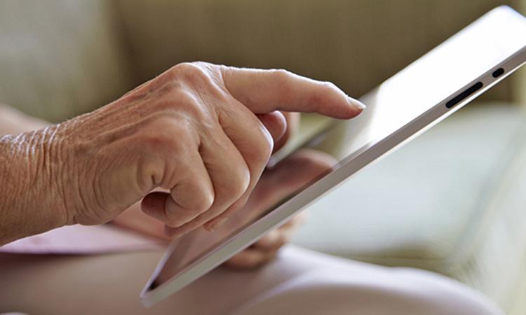 Neix un digital dirigit als majors de 65 anys