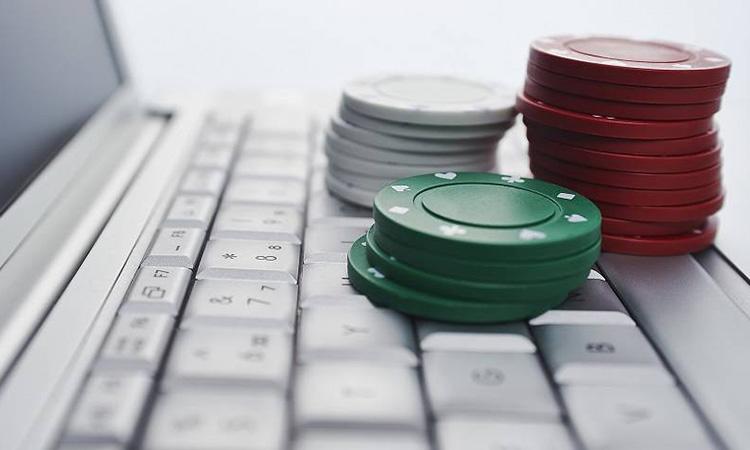 Diaris i cases d'apostes recorren el decret que restringeix la publicitat de jocs i apostes en línia