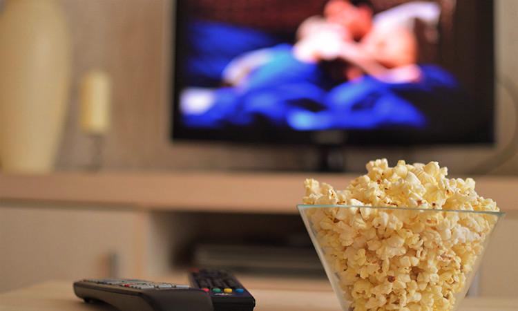 El 77,6% dels catalans vol continguts en català a les plataformes d'streaming