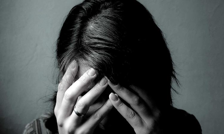 Obertament fa una crida als mitjans perquè donin veu a les històries de superació en suïcidis