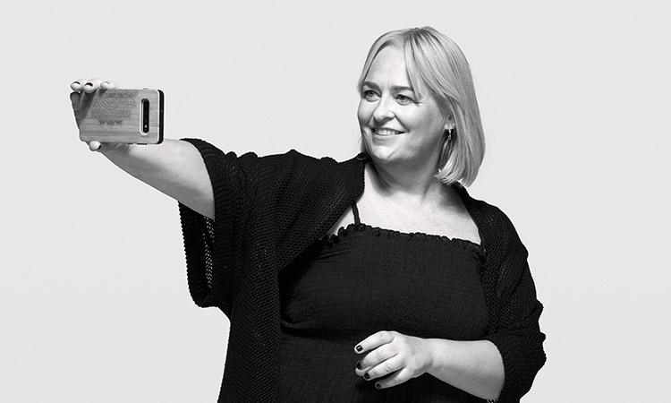"""Mariola Dinarès: """"Els periodistes estem bevent massa del 'trending topic' i hauríem de tenir més creativitat"""""""